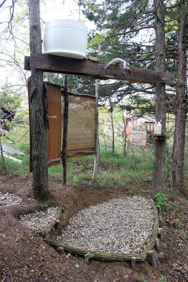 off-grid-shower-outdoor-bathroom
