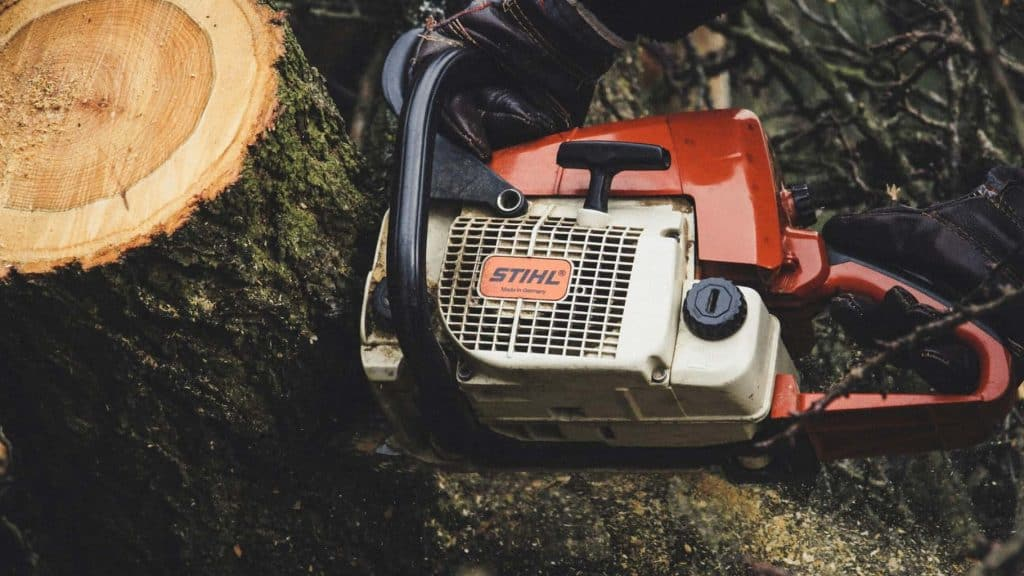 stihl-vs-husqvarna-chainsaw-comparison
