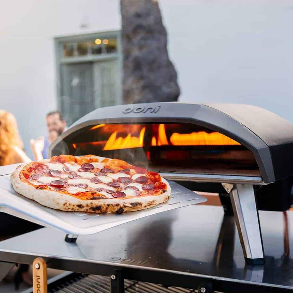 ooni-koda-pro-outdoor-pizza-ovens