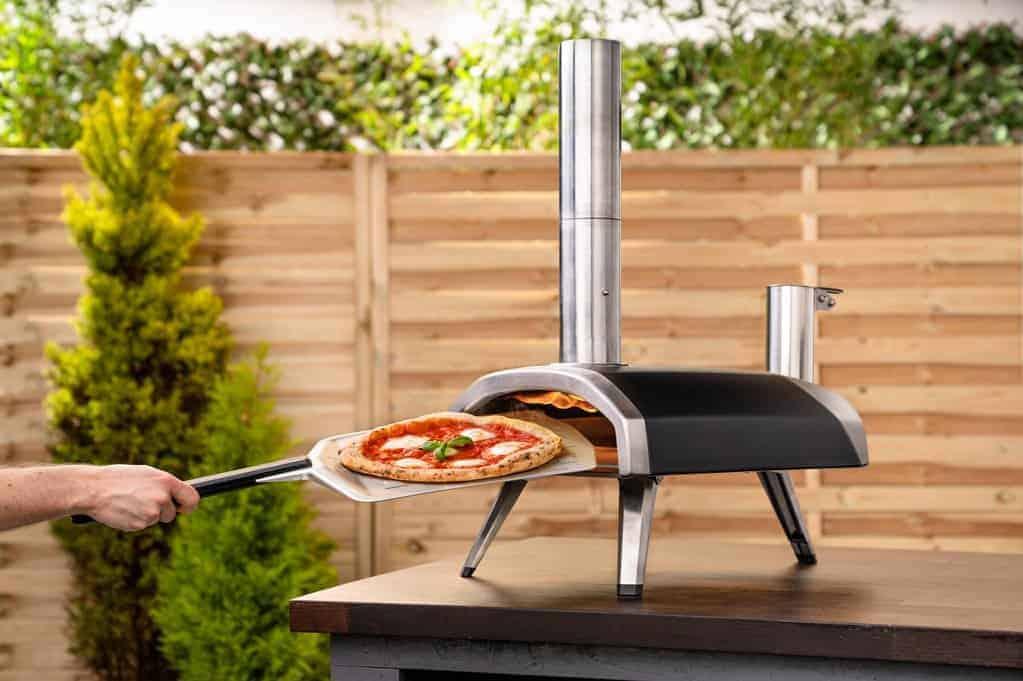 ooni-fyra-vs-ooni-3-outdoor-pizza-ovens-portable
