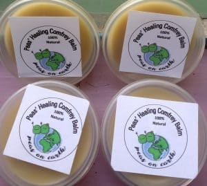 finished-comfrey-ointment-salve