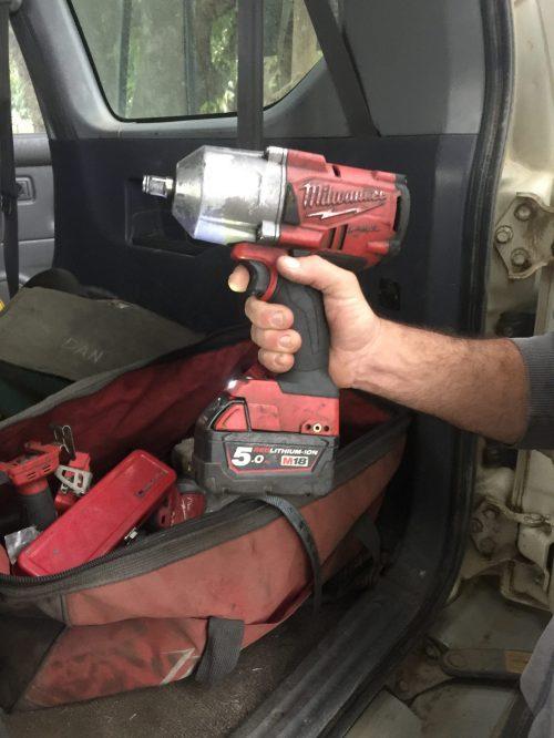 Makita-vs-Milwaukee-tools-impact-driver-3